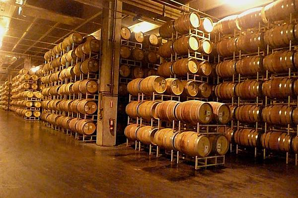 35 350 貯酒橡木桶.JPG