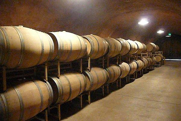 35 360 酒窖.JPG
