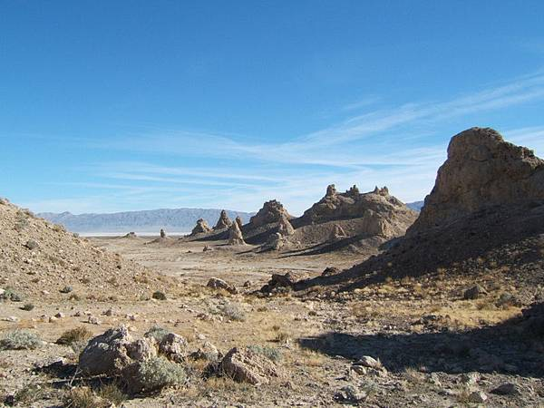 183 900 Trona Pinnacles