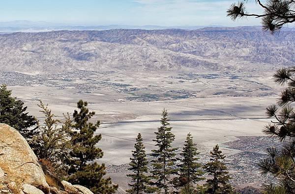 215 010 山腳下就是 Palm Springs.jpg