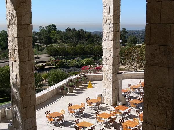 224 160 咖啡廳的石柱.jpg