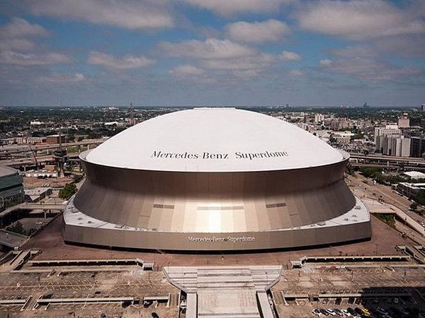 30037 240 New Orleans Superdome.jpg