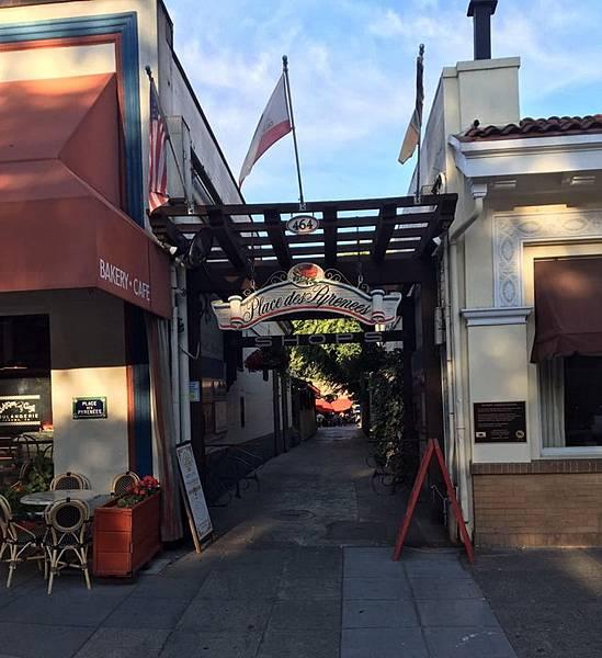 368 900 Sonoma商圈的巷道.jpg