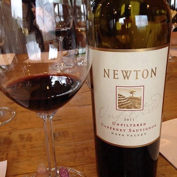 359 630 Newton 19 Old World Wine.jpg