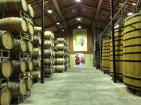 358 310 Clos Du Val 酒窖.jpg