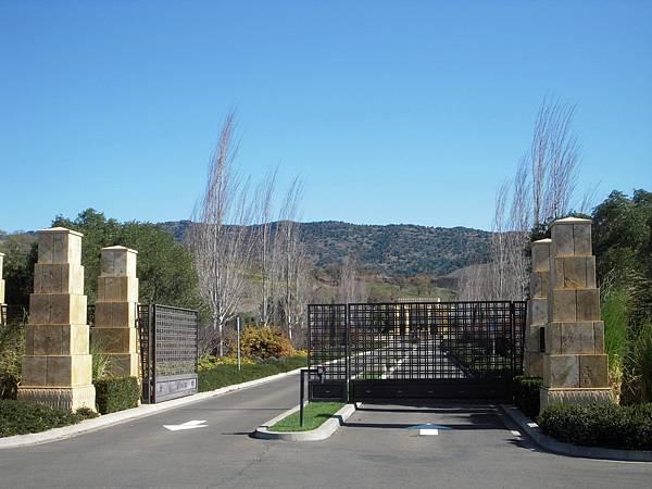 356 510 Darioush Gate.jpg