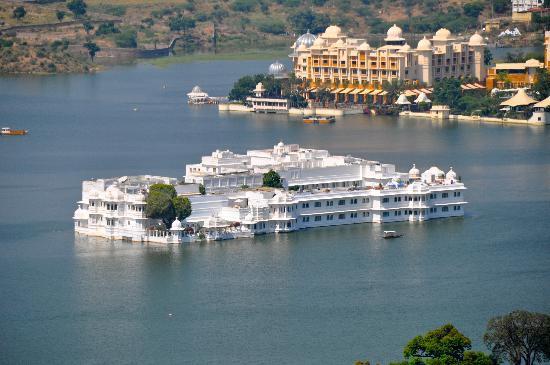 taj-lake-palace-booking