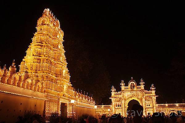 Maharajas-Palace-Mysore-2-1