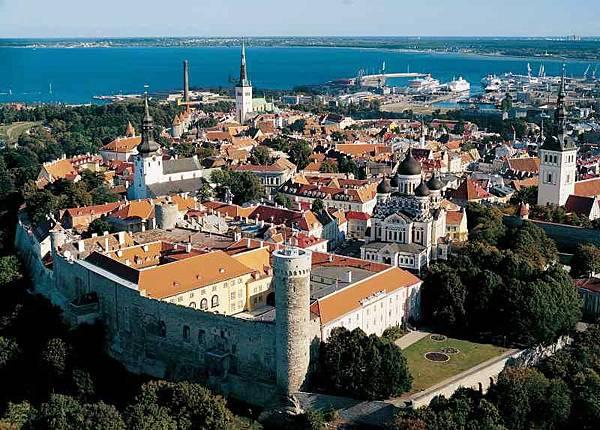Estonia_Tallinn_Toompea_Castle_Aerial_e7c63492b9274bf594a486e134533518