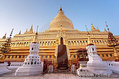 Shwezigon Pagoda1