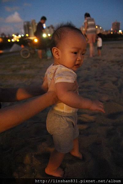 20140906_河濱公園踩沙.JPG