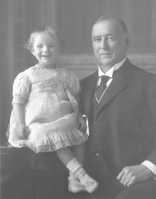 James B. Duke and Doris, circa 1913..jpg