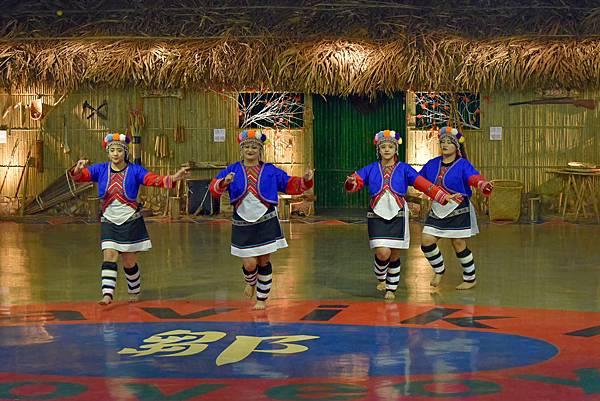 鄒族舞蹈--35021.JPG
