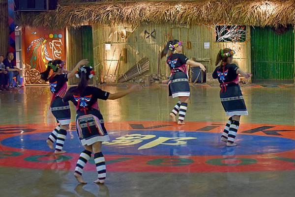 鄒族舞蹈--35085.JPG