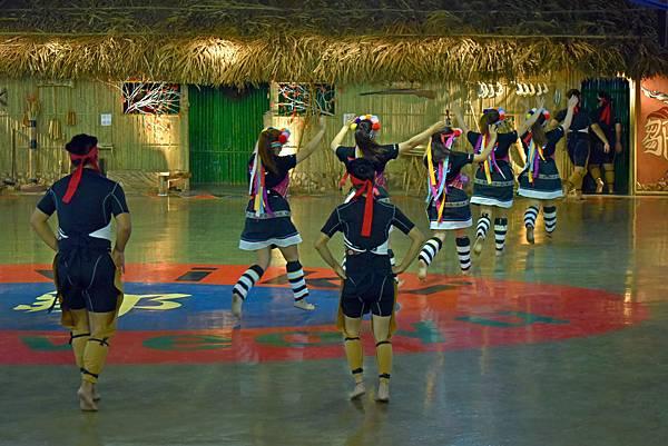 鄒族舞蹈--35186.JPG