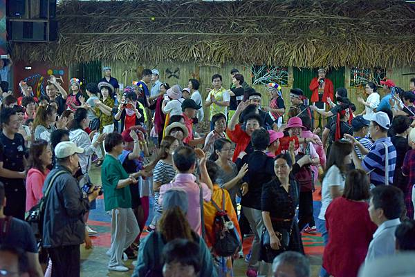 鄒族舞蹈--35200.JPG
