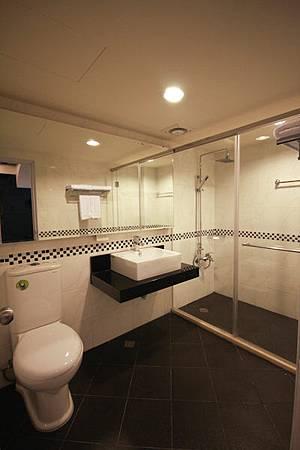 公用衛浴.jpg