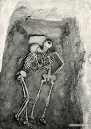 愛情的墳墓
