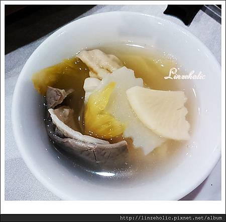 2014.08 台南榮星川味餐廳_酸菜肚片湯02