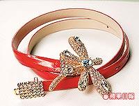 水晶蜻蜓腰帶。1萬4300元