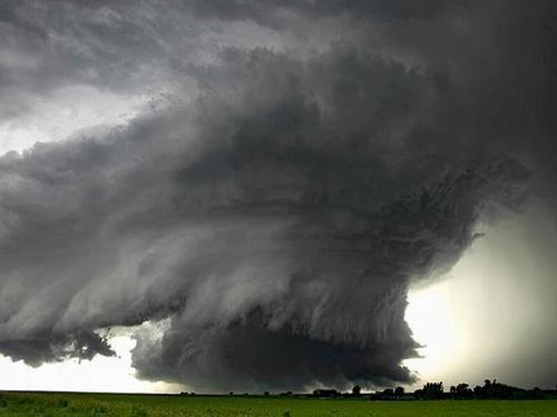 這種程度的龍卷風可以讓一支陸軍部隊完全喪失戰斗力。
