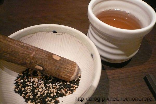 芝麻和麥茶