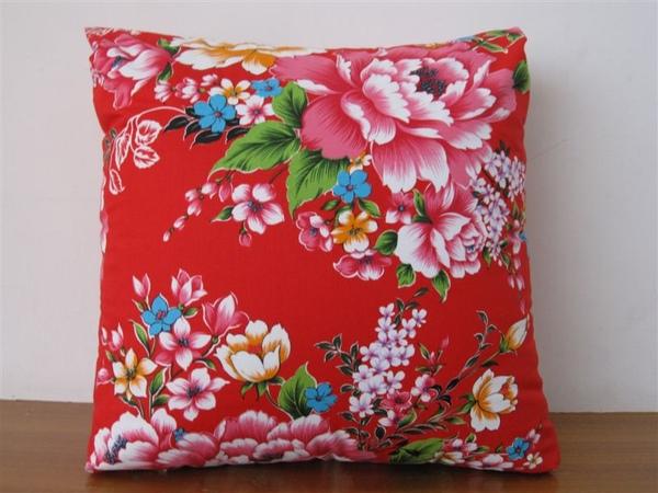 內埔鄉燈籠花社區營造協會花布抱枕