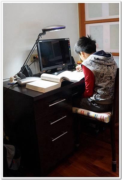 desk23.jpg