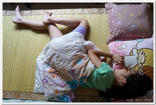 [居家]用好涼蓆夏天睡個涼爽的覺 - HOLA.夏綠天然竹單人蓆