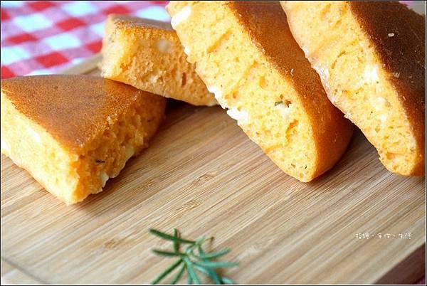 番茄羅勒麵包16.jpg