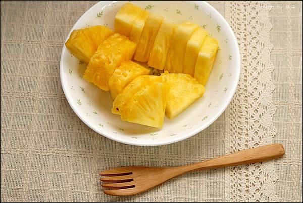pineappletea02.jpg