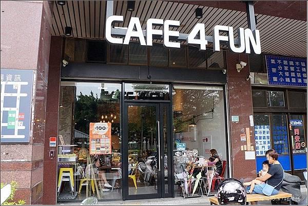 Café 4 FUN01.jpg