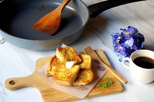 [試用]好洗好養好料理居家好鍋推薦 - BEKA貝卡,萃思特陶瓷單柄平底鍋(附法式吐司簡單做法)