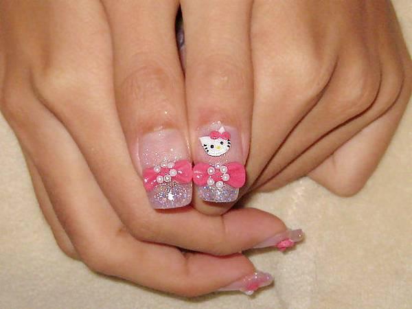 大拇指還有kitty呢
