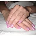 粉紫漸層的calgel凝膠指甲