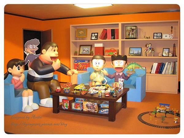 哆啦A夢故事館內