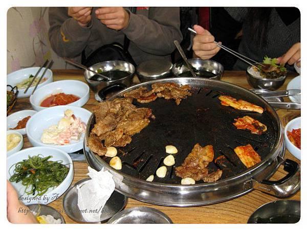 中午吃韓國烤肉