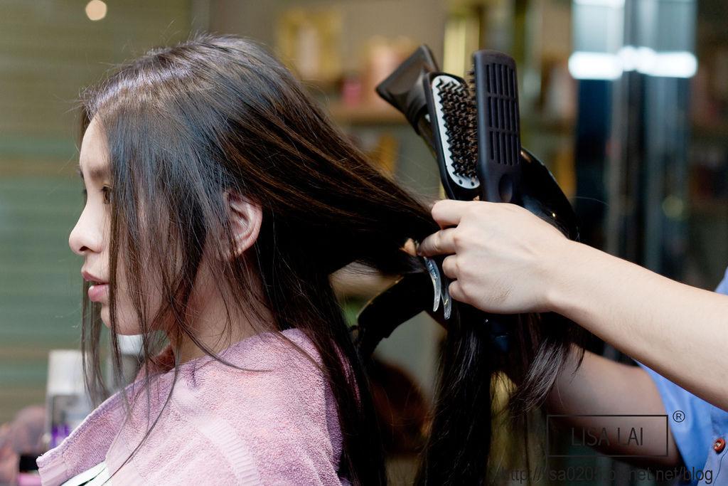台中染髮推薦夏森髮型 台中護髮推薦 台中剪髮推薦 台中頂級護髮療程