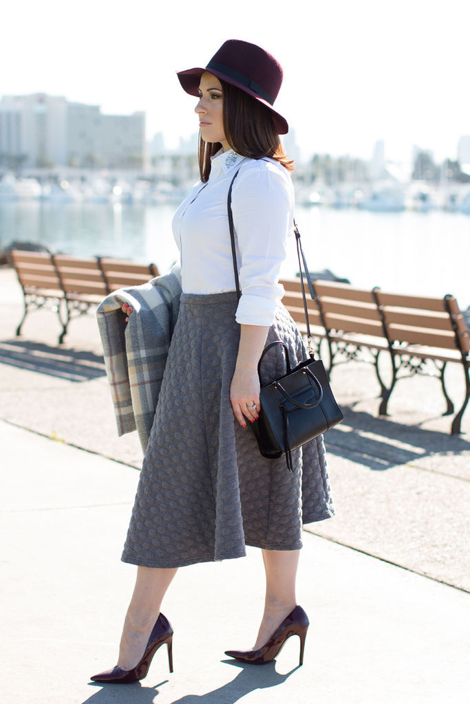 le-tote-gray-full-skirt.jpg