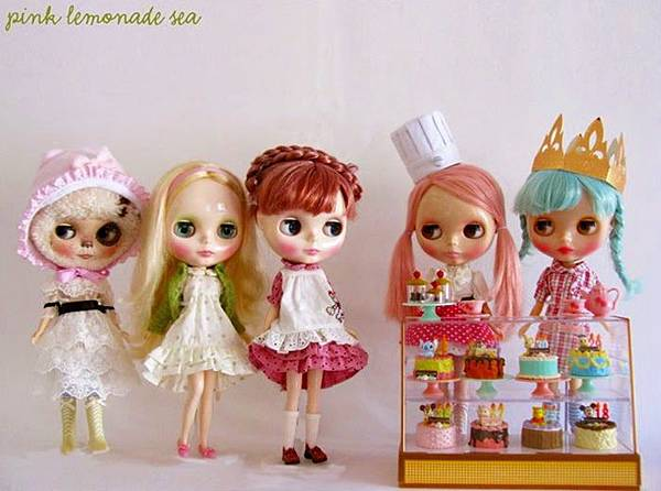 Blythe-at-the-Pastry-Shop.jpg