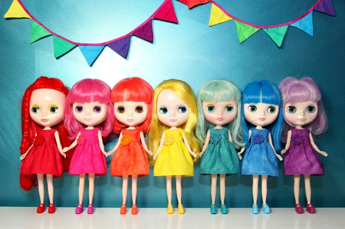 Rainbow-Blythe-Doll-Dresses.jpg