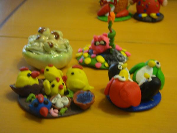 女兒們幼稚園的陶藝作品-1.jpg