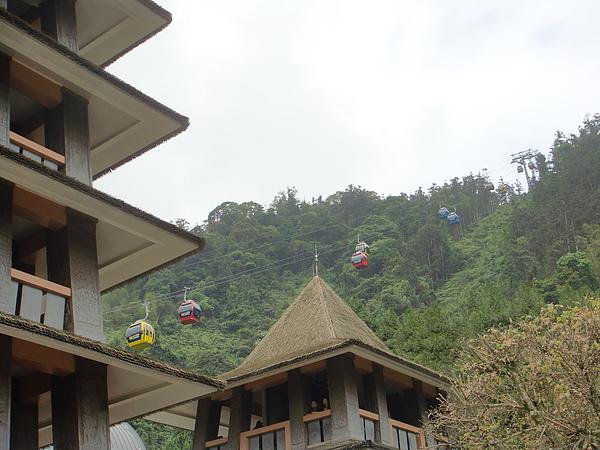 觀山樓遊園車站的屋頂.jpg