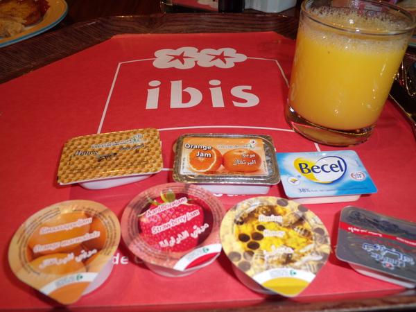 IBIS HOTEL的早餐 .jpg