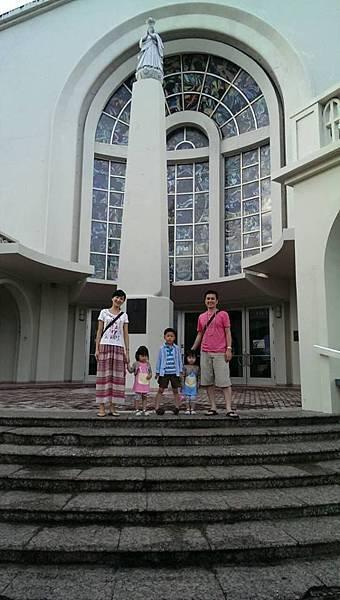 教堂全家福