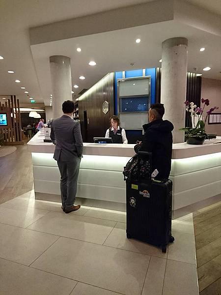飯店check in.jpg