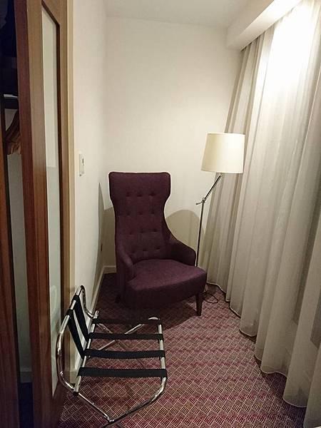 飯店房間角落.jpg