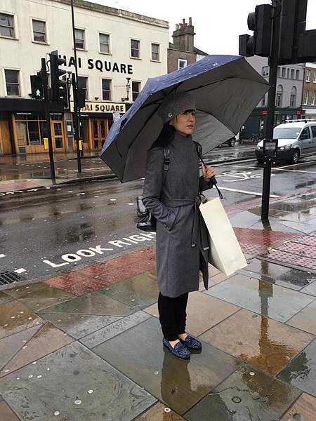 LISA穿TEDBAKER.jpg