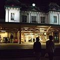 晚上的門司港車站