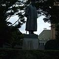 大隈雕像 北九州分部只有上半身XD